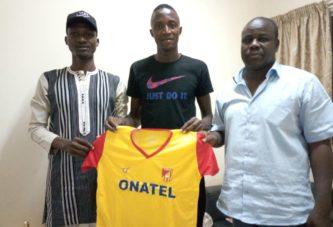 Foot-Burkina Faso : Adama Sanogo signe à Kozaf